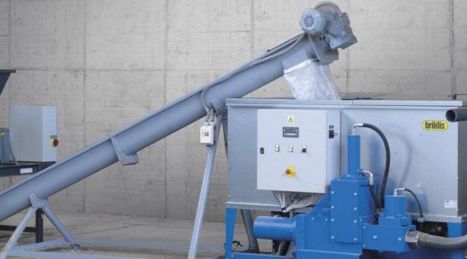 Produkcja brykietu przy zastosowaniu nowoczesnej brykieciarki